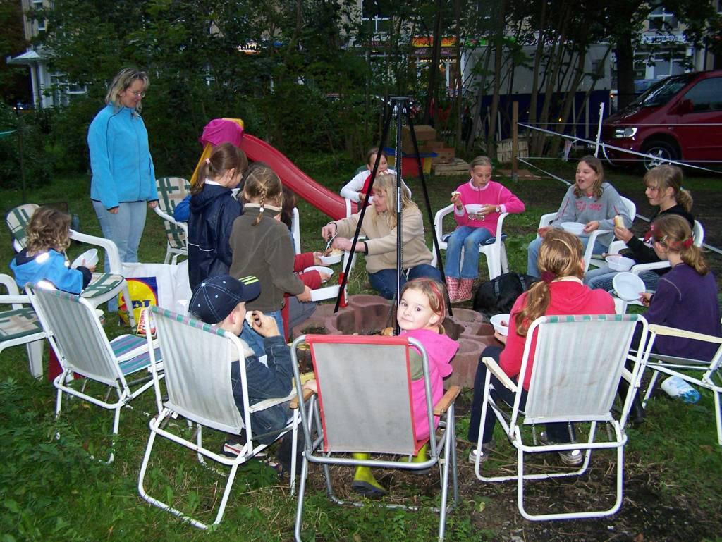 ponyreiten in chemnitz unsere ponys bei ihren kindergeburtstag. Black Bedroom Furniture Sets. Home Design Ideas